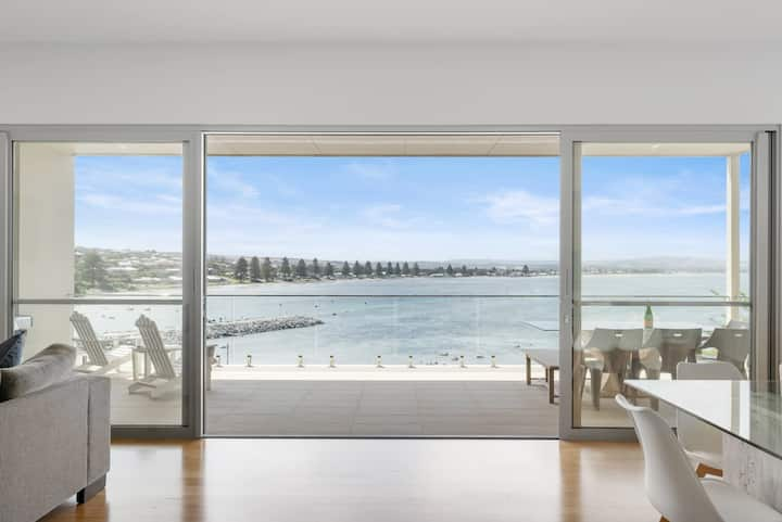 Beach Front House with Panoramic Views of Encounter Bay to Coorong.