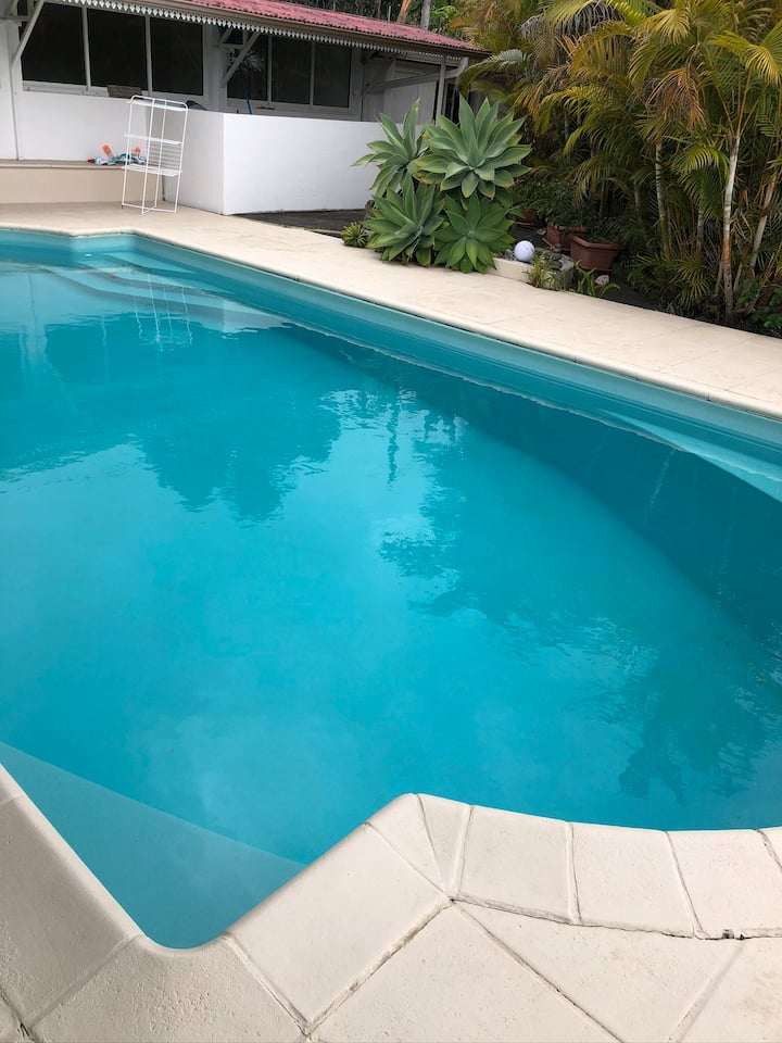 Grande Chambre avec piscine et jaccuzy