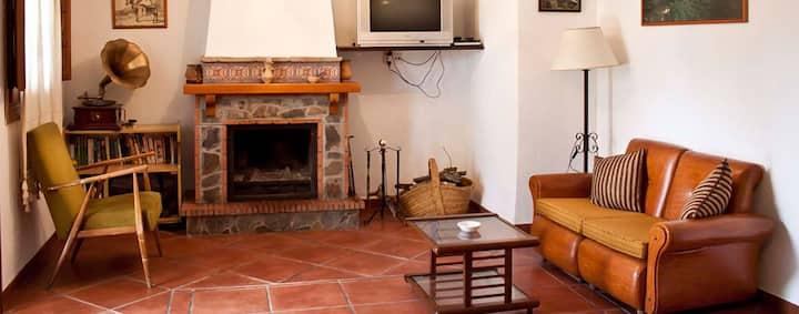 Alojamiento con Piscina y Bellas Vistas