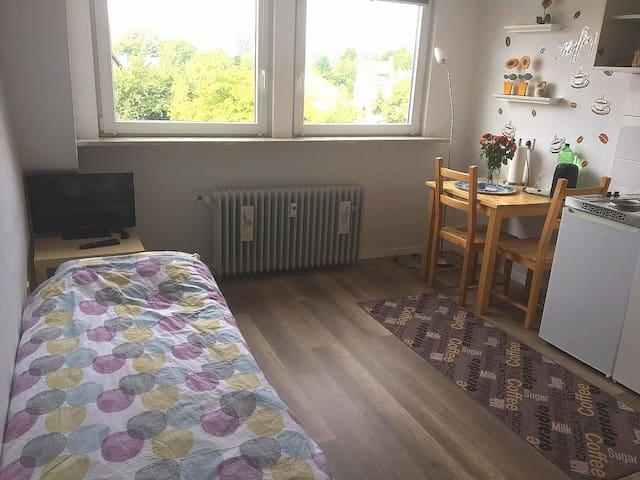 Kleine gemütliche Wohnung in ruhiger Lage