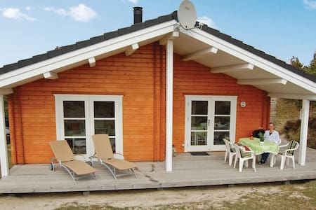 Holiday cottage with 2 bedrooms on 55m² in Vejers Strand