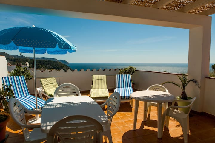 Fantastic sea view with terraces and barbecue