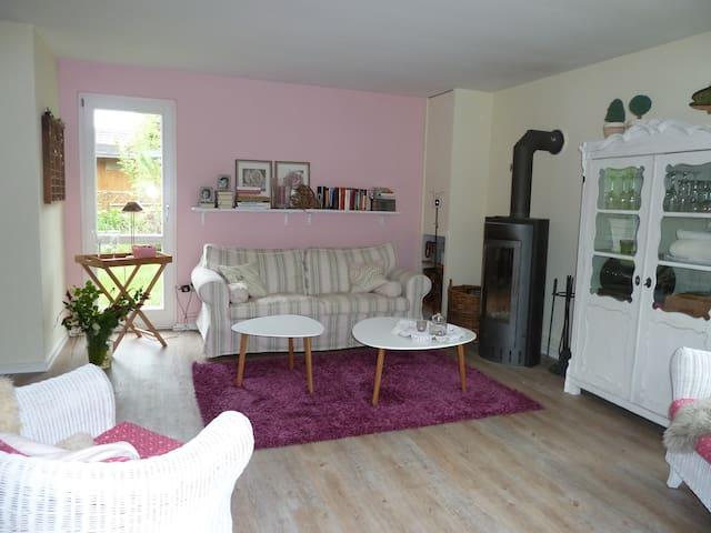 idyllisches Ferienhaus zum Träumen - Wisch - House