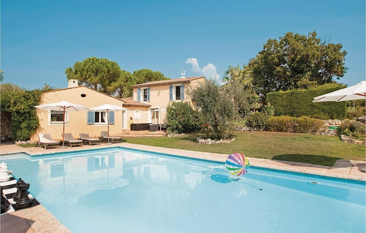 Stunning home in St. Cézaire sur Siagne with WiFi and 5 Bedrooms