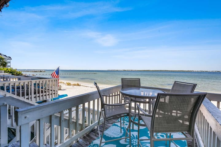 Newly Listed Fantastic Waterfront Condo - Steps to Water - Walk to Peg Leg Pete's - Budget Friendly
