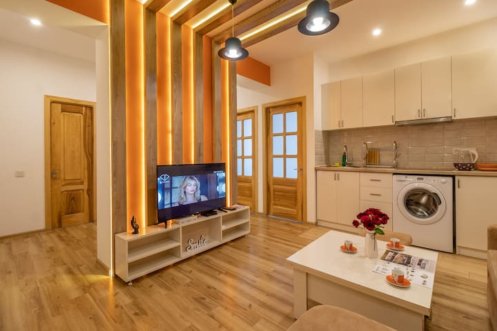 ARMT-Orange Colored apt on Sayat-Nova 33-51