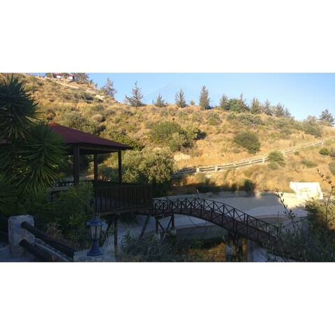 Panoramic mountain view guesthouse