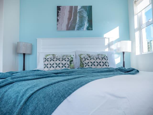 Mitra Mews Bright 2 Bedroom Apartment #7