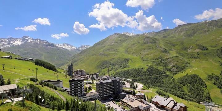 Studio Cosy avec Balcon dans un des plus grands domaines skiables au monde!
