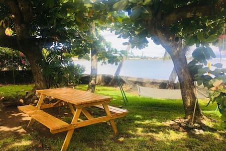 Bord de mer, accès plage avec petit déjeuner
