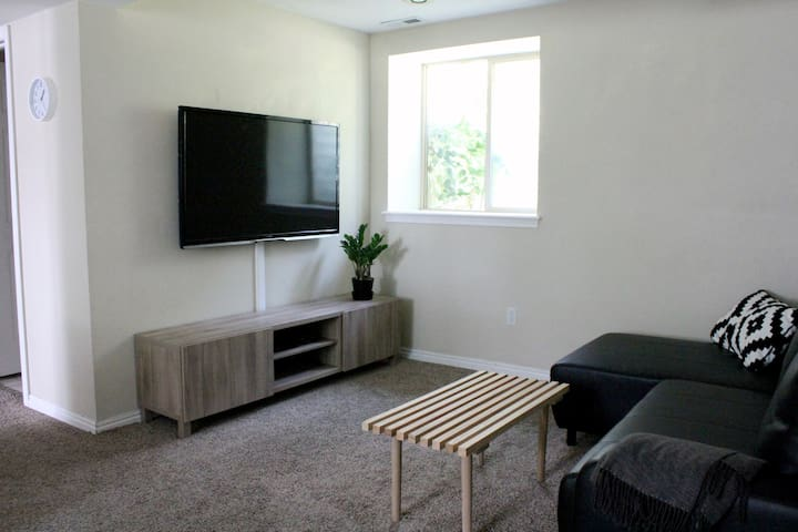 Private, Light-Filled Apartment By BYU & Downtown!