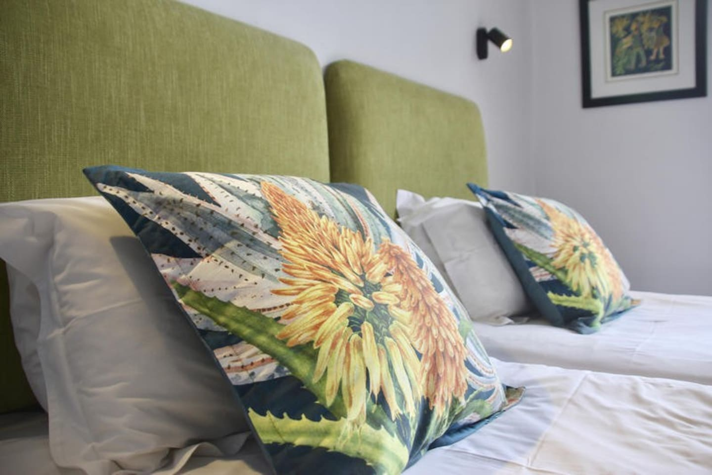 Room 1 cushions for comfort. North facing room - bright & sunny