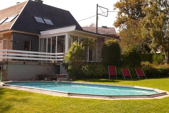 Perfecta casa de vacaciones en Malmedy con sauna