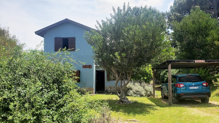 Casa en Las Gaviotas dos plantas, parque y terraza