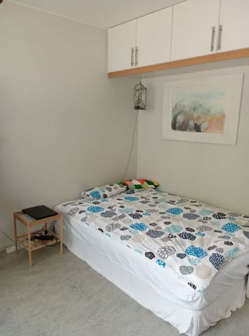 Studio surrounded by forest 12 mins to city center - Göteborg - Pis