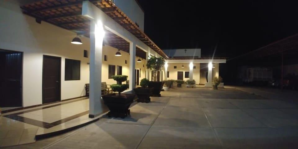 HOTEL EL RECOVECO