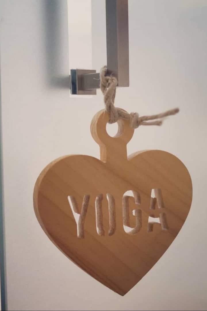 El yoga te conecta con tu Corazón