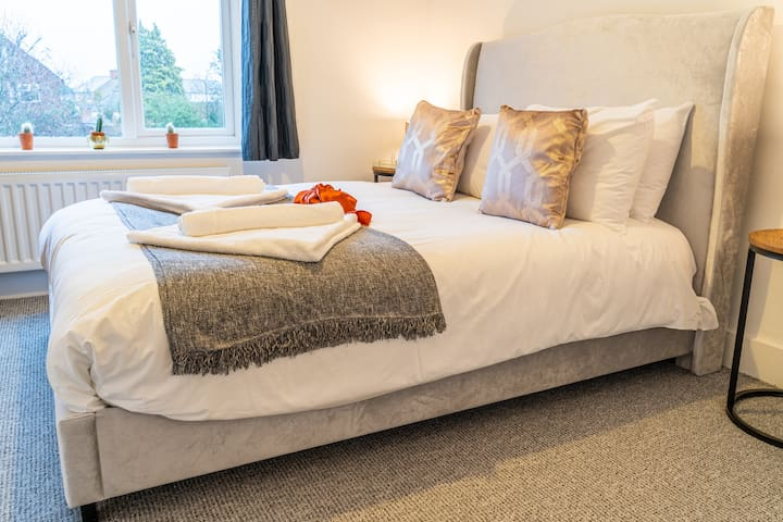 Double ensuite room - Executive Serviced Accommodation