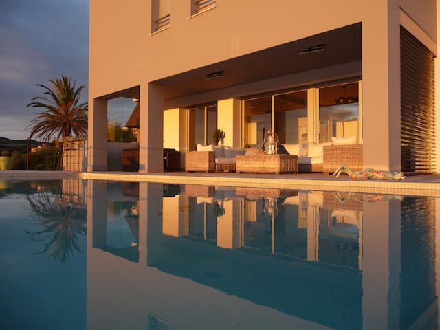 Villa vue mer entre Playa d'Aro et Palamos piscine - Calonge - Talo