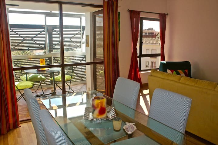 Cosy apartment close to the beach and downtown