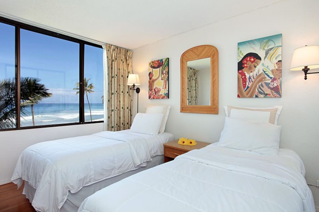Guest bedroom also has a flat screen TV and ocean view