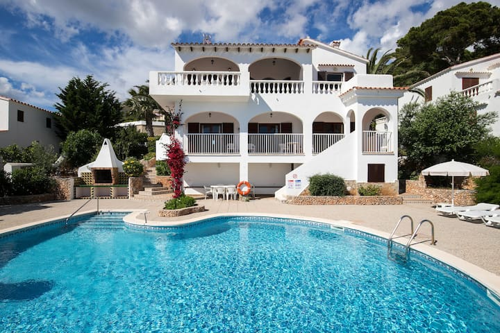 Stunning views and a pool – Villa Belvedere