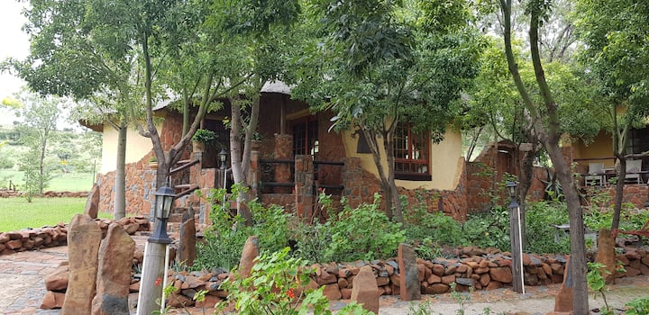Tswalu Grove Safari Lodge: 20 km from JHB: Baobab