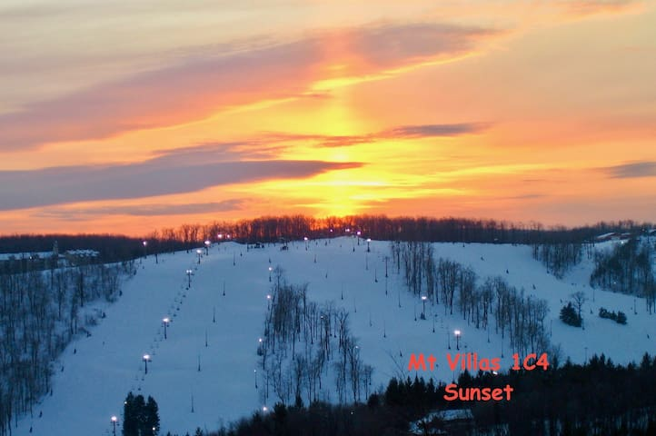 Seven Springs Mt Villas Condo, Ski, Golf, or Relax