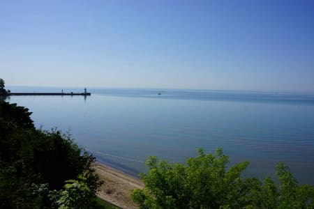 Picturesque Lakefront Beach Cottage - Port Dover - 独立屋