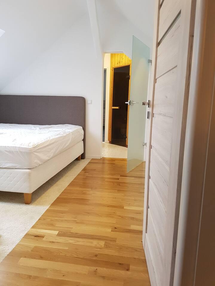 2,5-Zimmer Dachgeschosswohnung mit Sauna&Terrasse