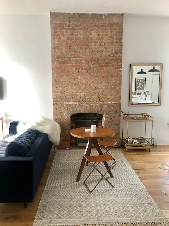 charming apartment in the historic Kingston