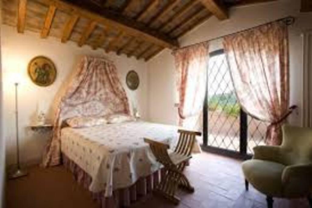 Camera matrimoniale (con terrazza)