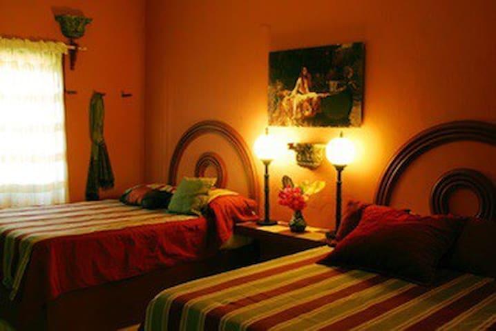 MAIN APARTMENT bedroom 2