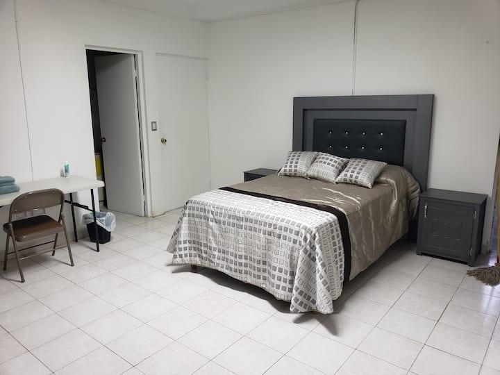Habitación privada con baño, Zona Tec