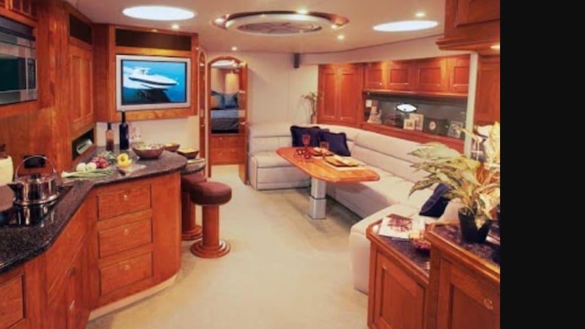 Luxury Floating Apartment - LaVita - East Fremantle - Appartement