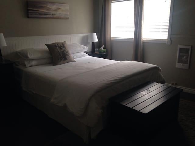 The Purple Frog Bed & Breakfast - North Bruce Peninsula - ที่พักพร้อมอาหารเช้า