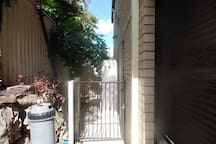 Private Granny Flat Clothesline Courtyard - Looking In View
