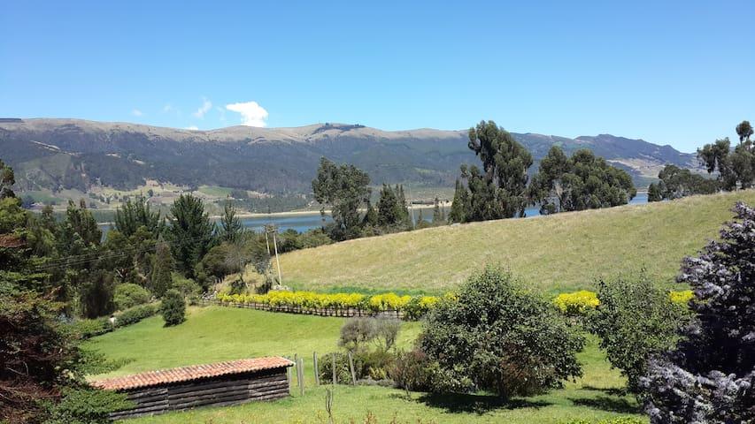 Preciosa cabaña y vistas en Camino del Rocío.