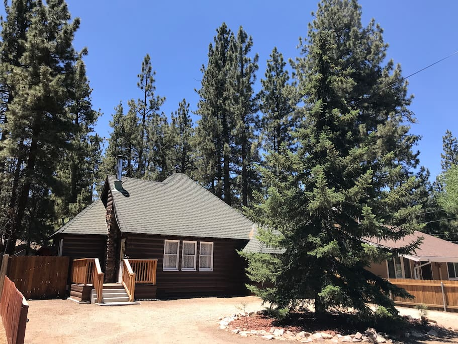The zen den big bear cabin pet friendly big bear for Big bear 2 person cabin