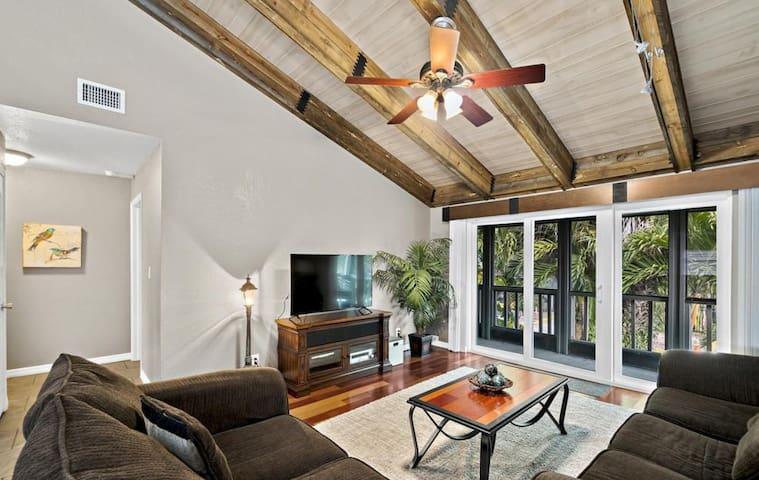 Spacious Main Living Room