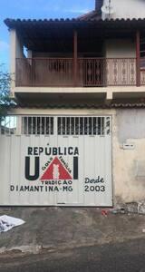UAI - República Estudantil