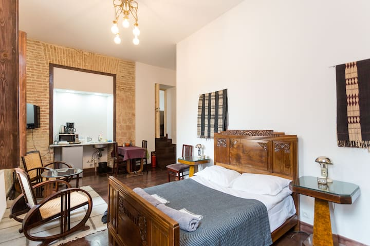 Mac'Avoy Suite, Castle in Old Town
