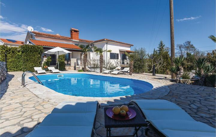 Nice home in Kanfanar with WiFi and 1 Bedrooms