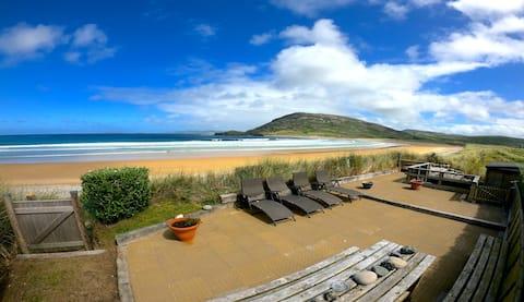 Stunning beach-side retreat