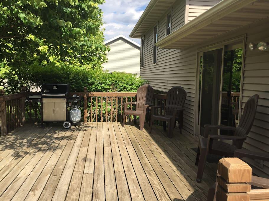 Back deck w/ propane grill