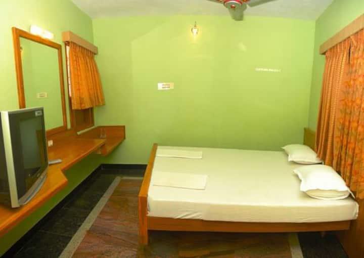 Vinodhara Guesthouse