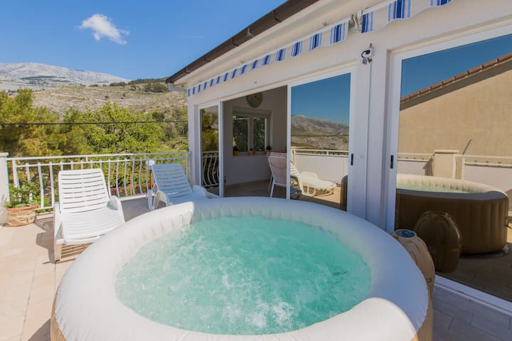 JACUZZI-POOL APARTMENT 20 MINUTES FROM SPLIT - Donje Sitno - 公寓