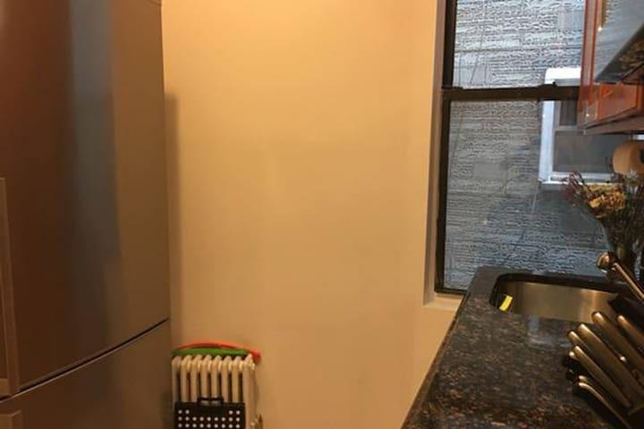 Sunny beautiful airy bedroom in Modern Apartment - Brooklyn - Apartemen