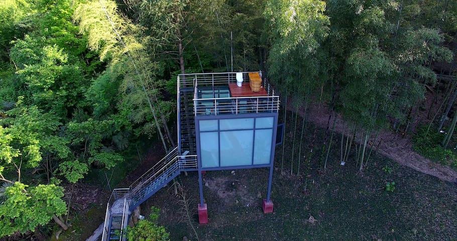 张家界国家森林公园玻璃屋