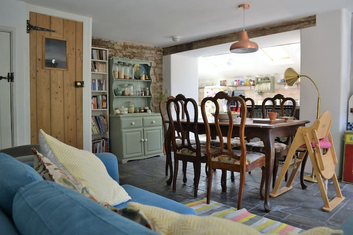 Newly renovated cottage perfection, West Country!